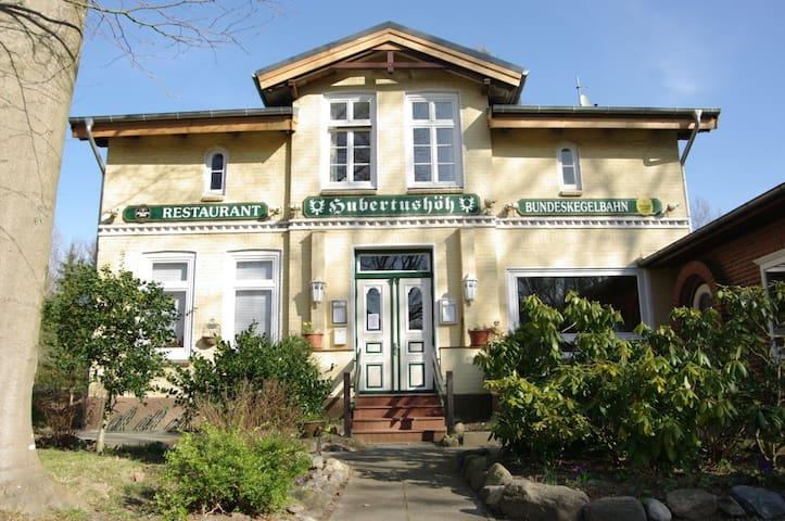 Hubertushöhe - Urlaub gegen Alles! - Eutin - Daire