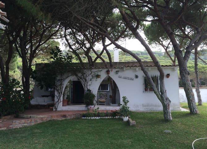 Chalet con maravilloso jardin a 250 m. de la playa - Los Caños de Meca - Chalet