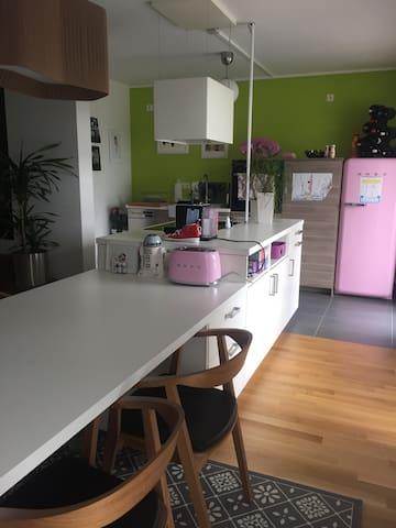 Wohnung in der Nähe vom Playmobil-Funpark! - Oberasbach - Lägenhet