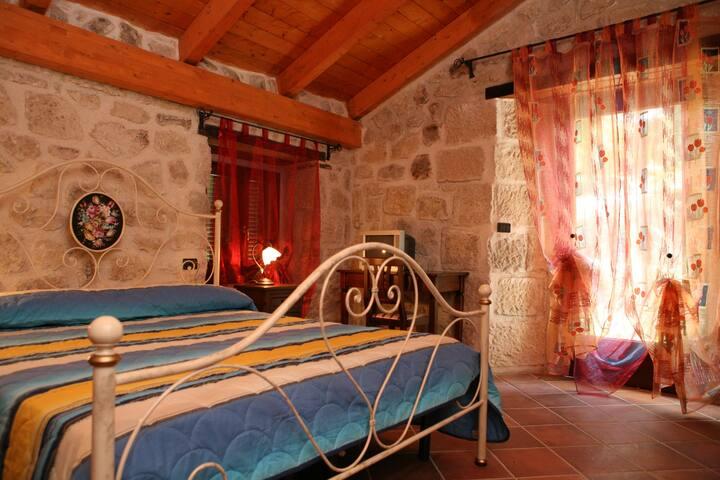 Camera in Country House - Abbateggio - Bed & Breakfast