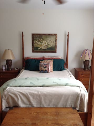 2 bedrooms available in cozy Wilmington townhouse - Leland - Wohnung