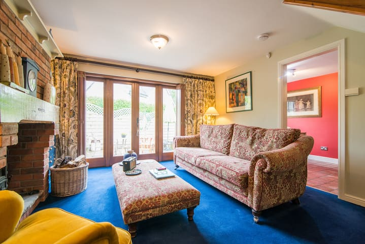 Cottage in a Conservation Area - Sandbach - Bed & Breakfast