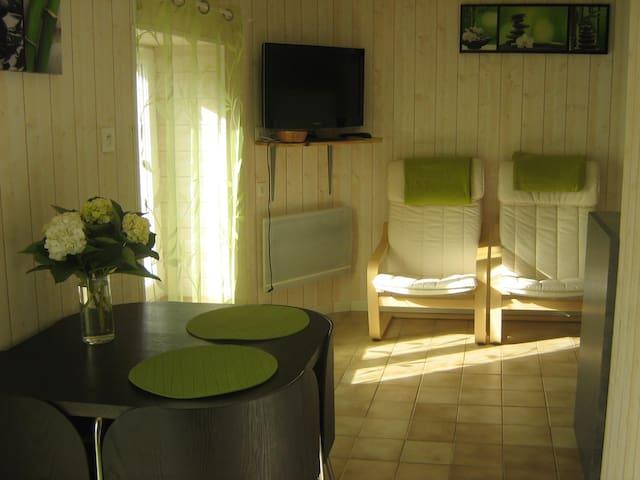 joli studio dans vieille longère - Plonévez-Porzay - Huis
