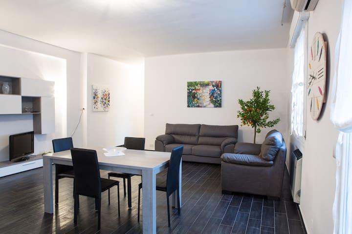 Appartamento con terrazzo per jogging e joga - Carpi - Appartement