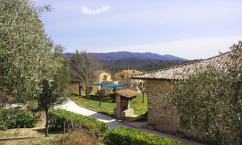 Country House Casal Cerqueto -Trilo - Collazzone - Leilighet