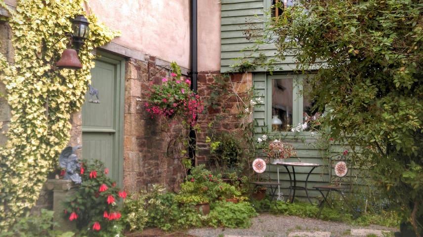 The Studio Apartment - Shebbear - Appartement