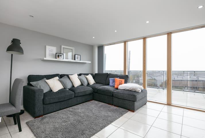 Skyline Penthouse Apartment - Stretford