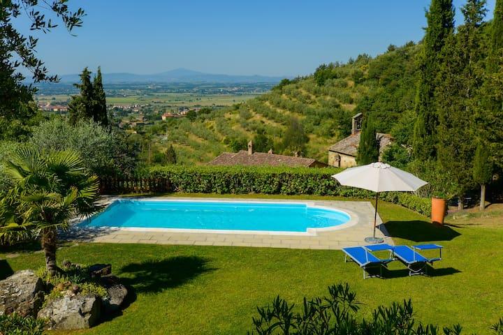 villa con piscina e  panorama mozzafiato - Cortona - Villa