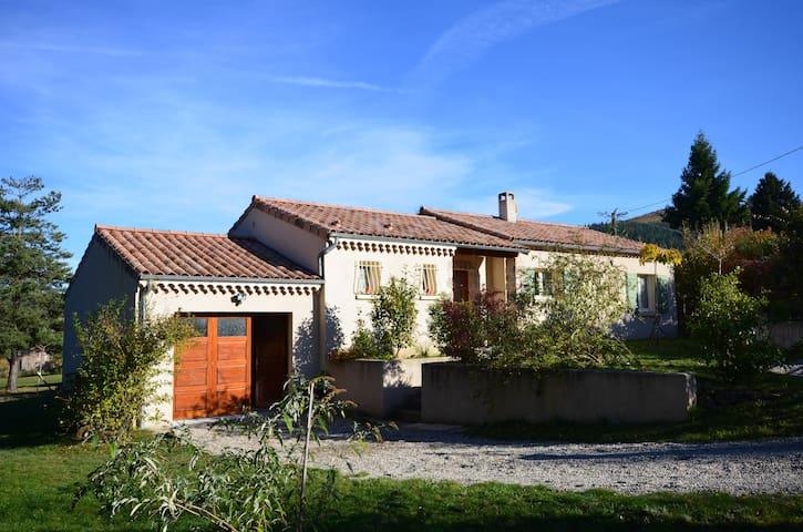 le Clot Borjat - Saint-Barthélémy-Grozon - Hus
