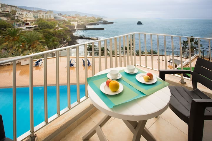 Apartment Blue Mar - breathtaking view & pool - Funchal - Appartement