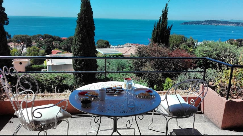 Room at the villa with great view next to Monaco - Cap-d'Ail - Vila