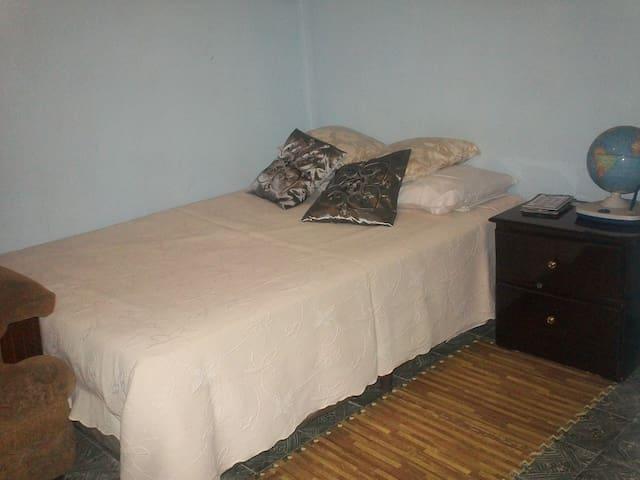 Hab. Con baño privado - Tegucigalpa