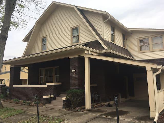 Beautiful Anastasia Entire House Near River - Madison - Pension