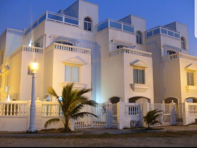Espectacular casa con vista al mar - La Boquilla - Daire