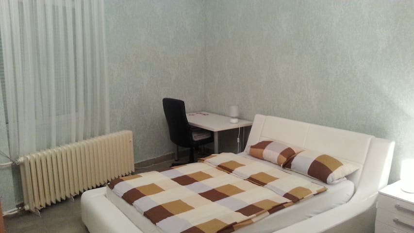 "apartment  ""square"" *** - Osijek - Departamento"
