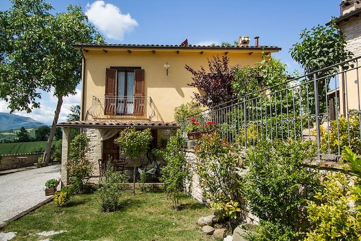 Lilla-Apt in Countryhouse with pool - Cagli - Wohnung