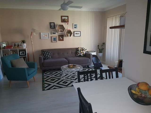 Lovely apartment close to beach, shops & parks. - Matraville - Lägenhet