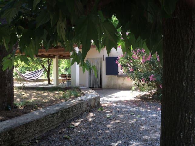 Oase in wandelgebied - Saint-Hippolyte-du-Fort - Casa de campo