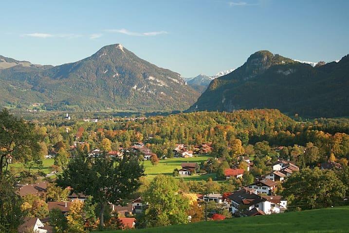 Kleines Appartement mit Bergblick - Brannenburg - Leilighet