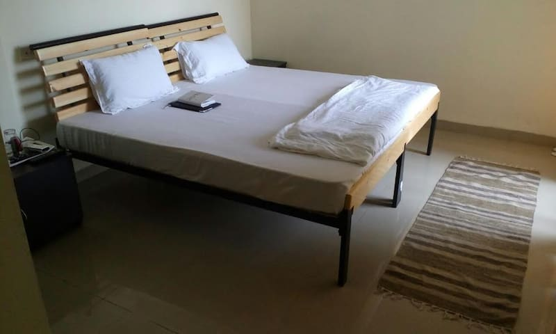 White Mushroom Guest House in Mumbai - Navi Mumbai - Appartement