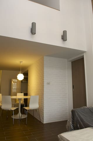 厨房/餐厅/客厅/两套卫浴/两大卧室,大远百旁边, 靠近城隍庙, 市中心 - East District - Leilighet