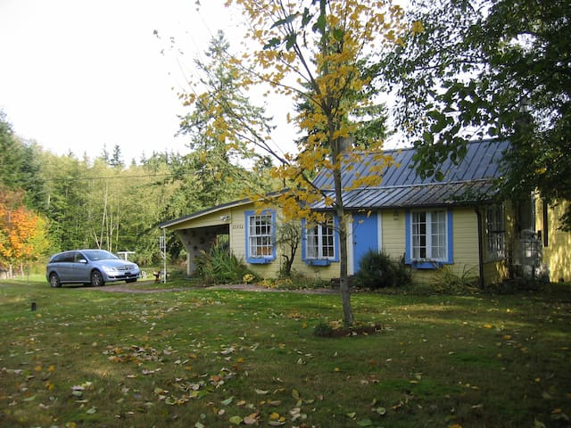 Artist's Cottage on Whidbey Island - Greenbank - Chalet