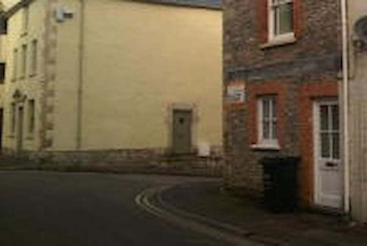 2 bed flat, quiet central location, sleeps 5. - Shepton Mallet - Daire