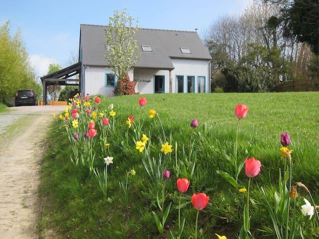 Wooden Home: St Malo, Dinard, Dinan - Langrolay-sur-Rance - Дом