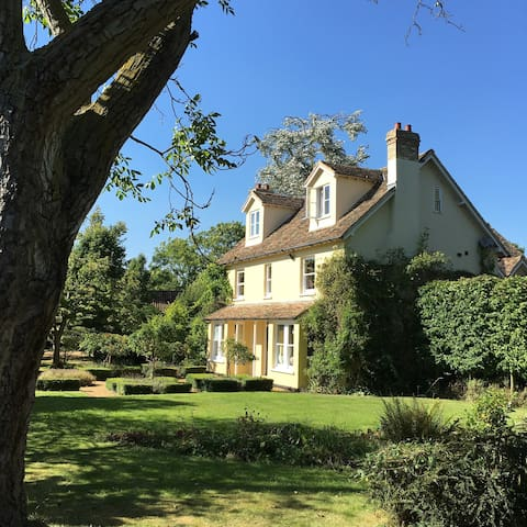 Large family home in rural setting - Great Eversden