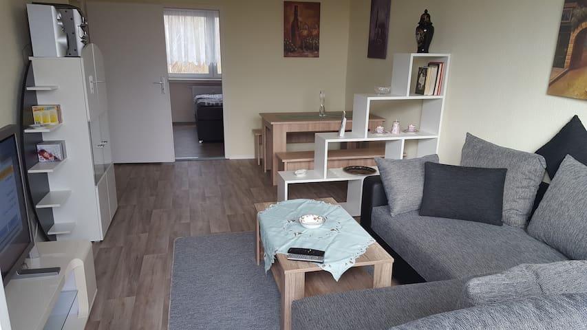Ferienwohnung und Monteurunterkunft - Loitz - Apartamento