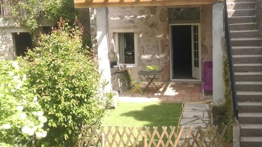 Maison Cévenole village-calme-frais-nature-rivière - Lasalle - Apartamento