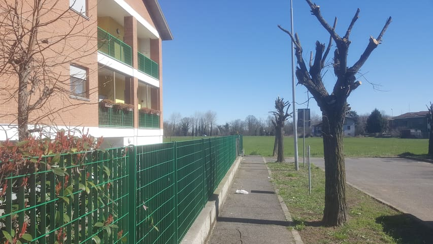 Appartamento v.ze Pavia con box - Zeccone - Apartamento