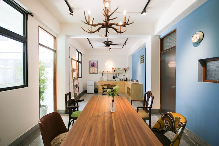 The Lins - entire flat for 6 people. City Centre. - Hualien City - Lägenhet