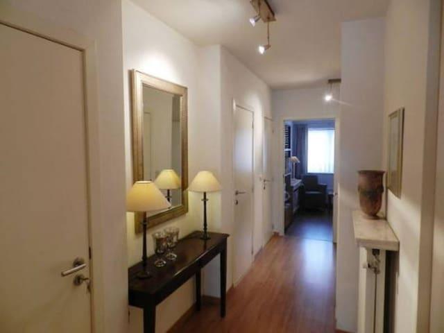 Centre Geel / one person bedroom - Geel - Lägenhet