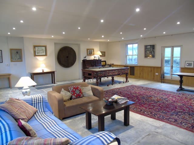 Snag Farm - lovely country home with huge kitchen - Stoke Trister