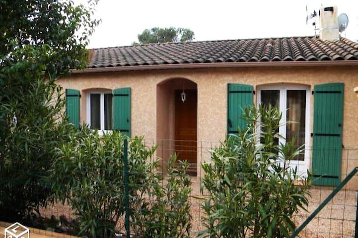 Maison familiale avec piscine calme 6/8 personnes - Le Cannet-des-Maures - Hus