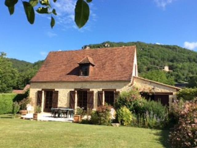 MAISON DE CAMPAGNE AVEC Gde PISCINE  PRIVEE - Saint-Vincent-de-Cosse - 別荘