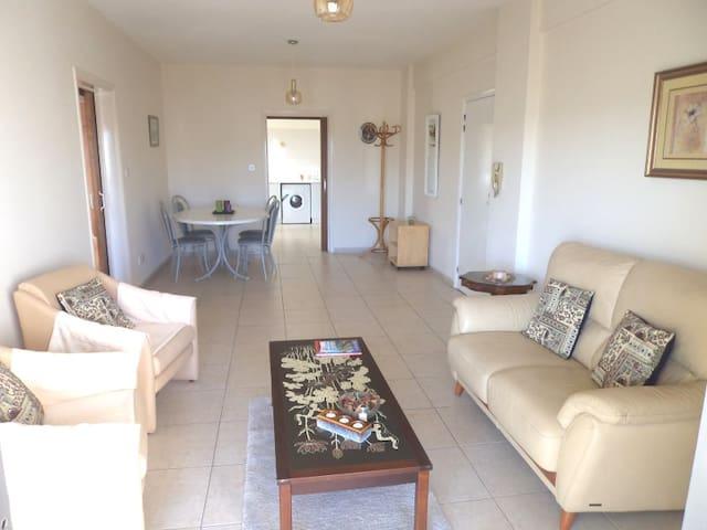 Beautiful 2 Bed Apartment - 150m Sea! - Limassol - Wohnung