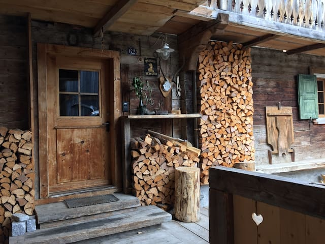 250-jähriges, grosses Walserhaus mit viel Charme - Conters im Prättigau - 獨棟