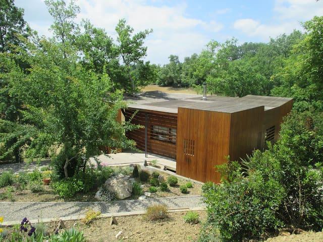 Maison atypique en pleine nature - Rozes