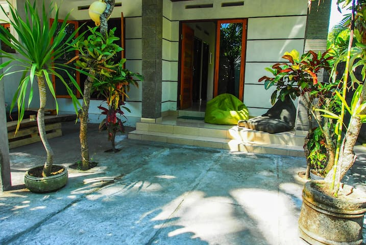 2 BR Holiday House with Kitchen II - Padang - Maison