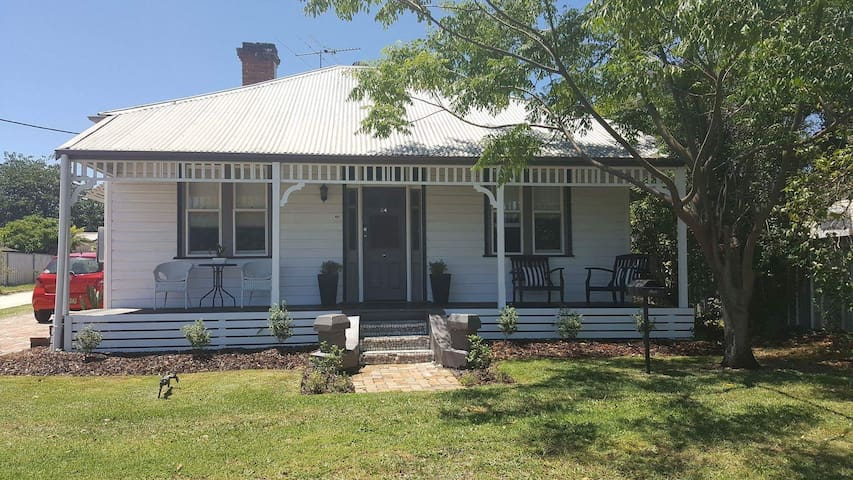 Country Cottage @ Hunter Valley - Cessnock - Huis