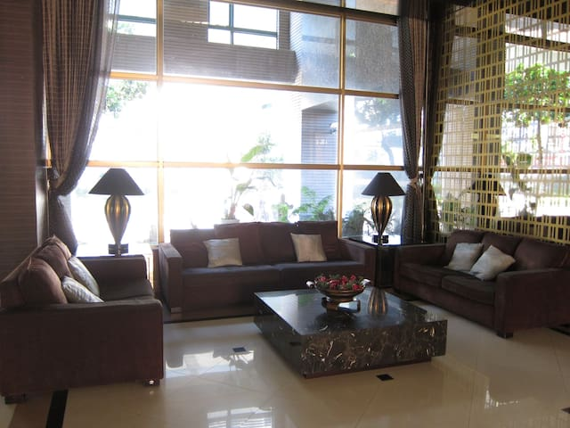 Luxury apartment with two rooms near the MRT - Zhonghe District - Ortak mülk