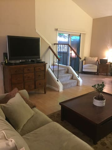 Quiet, cozy, 3 BR condo near Bart!! - Walnut Creek - Lägenhet