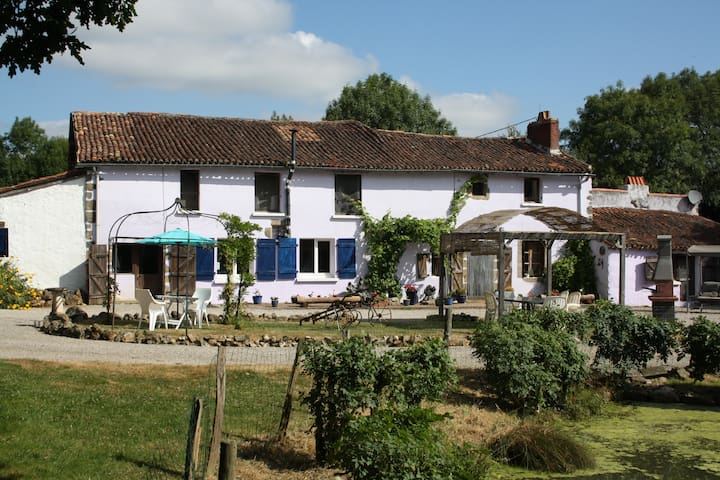 Farmhouse gite - Saint-Martin-du-Fouilloux - Vakantiewoning