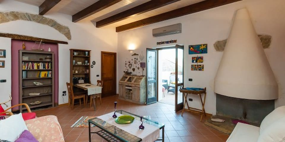 "3 bedrooms accomodation  ""Quarto da Ana"" - Castellabate - Rumah"