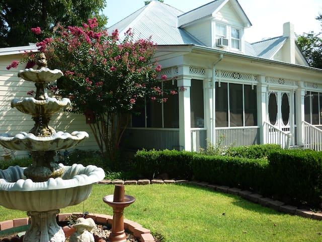 The Garden Apartment - Bastrop - Leilighet