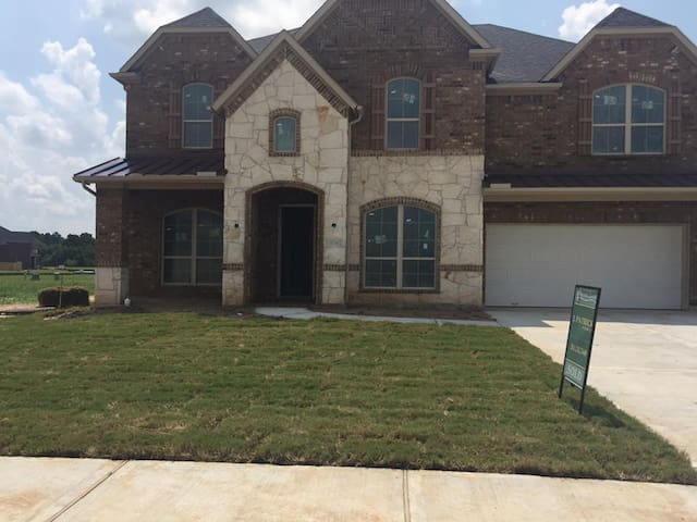 Large Richmond Home available for Rent - Fort Bend County - Maison