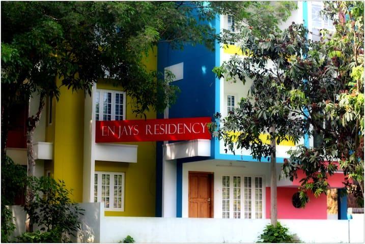 EN JAYS Residency (Executive Service Apartments) - Kidangoor - Appartement
