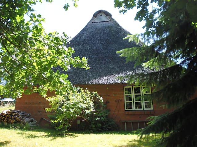 Slapen onder een rieten dak - Schacht-Audorf - Huis